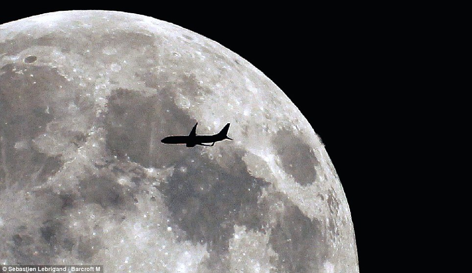 airplain-moon1